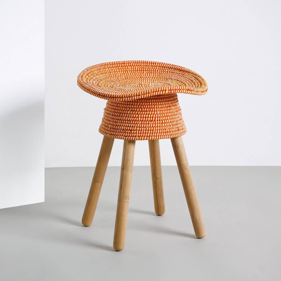 Табуретки для кухни с мягким сиденьем круглой формы