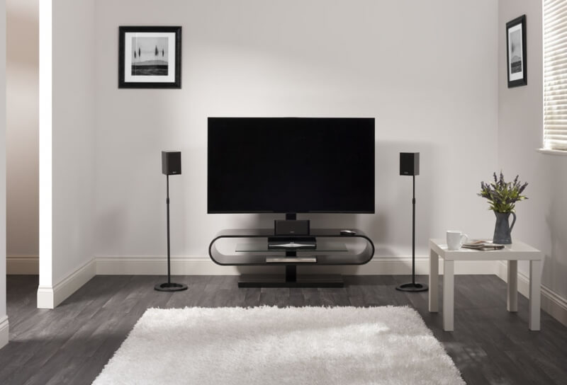 tumba-pod-televizor-s-kronshtejnom (24)